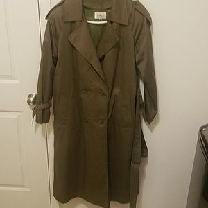 Woman Trench Coat.  Like New . Size 12